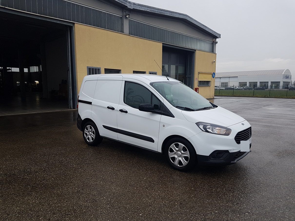 Vai a FORD TRANSIT COURIER